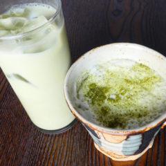 玄米茶ラテ ICE・HOT ¥480(税抜)
